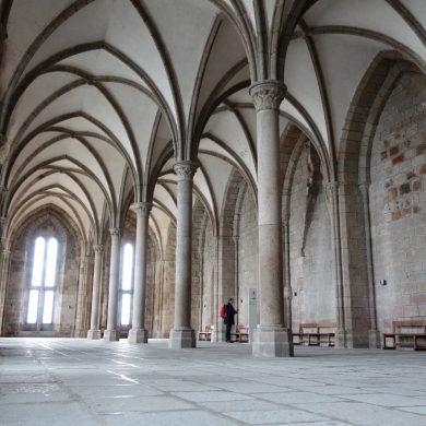 Iglesias y abadías