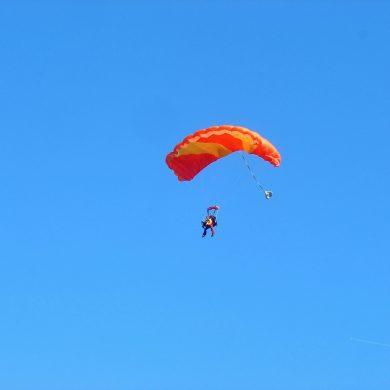 ¡Los mejores sitios para dar el gran salto en paracaídas!