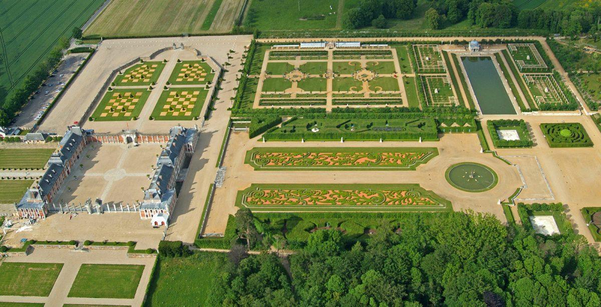 Vue aérienne du jardin du Champs de bataille