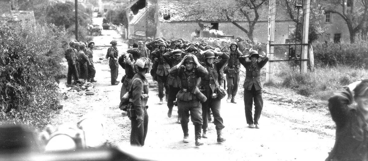 Saint-Lambert - Poche de Falaise 1944, rendición de soldados alemanes - Archives D-Day