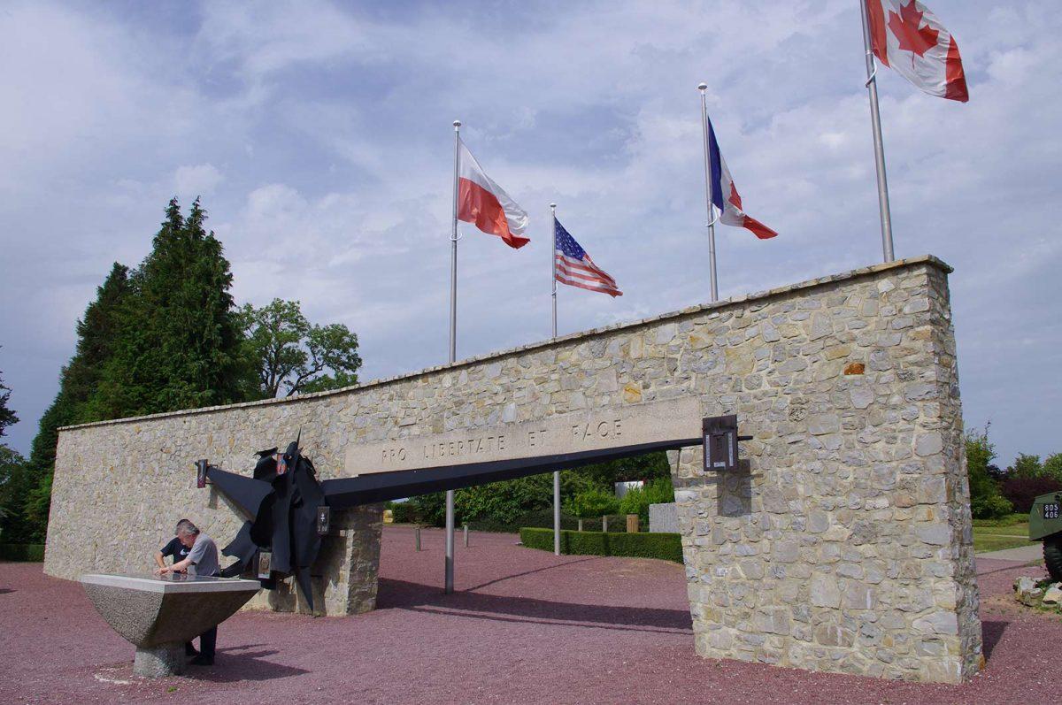 Memorial de Montormel-Coudehard © C.Lagu
